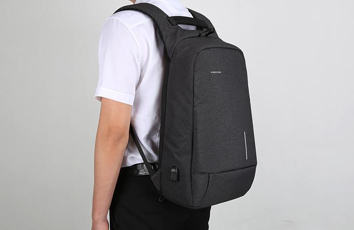 Рюкзак стильно выглядит и комфортно сидит на владельце